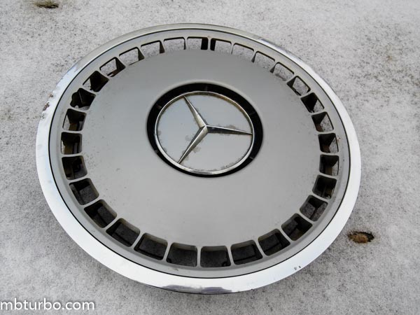 Rims and hubcaps mercedes benz turbo for Mercedes benz hubcaps