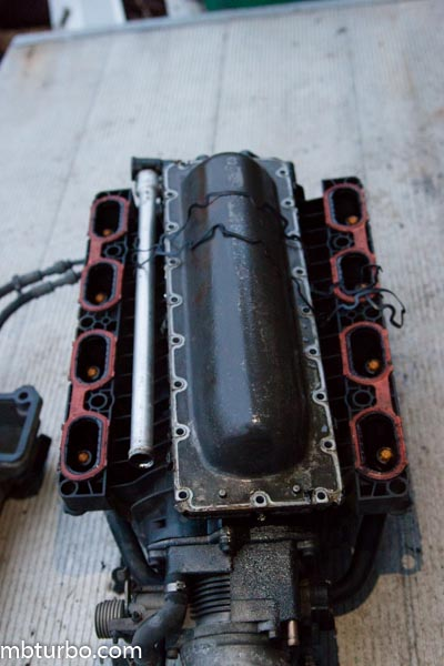 m62b35 dissembly intake manifold (1)