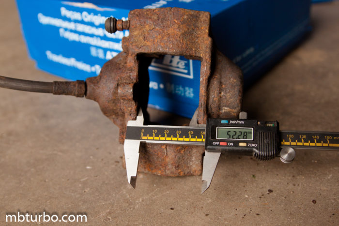 Rear caliper s124 320TE (1)